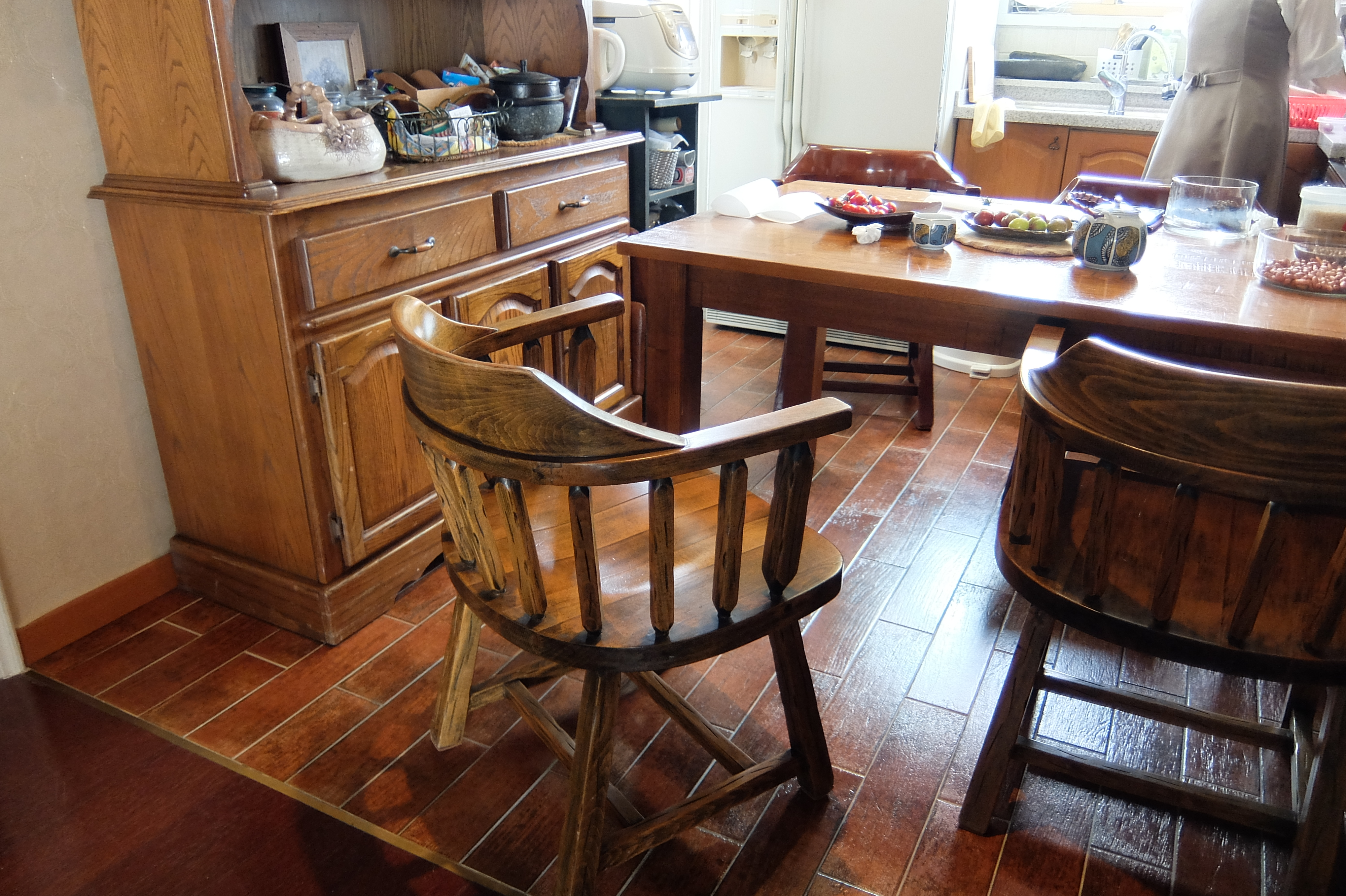 File Kitchen Table Chairs And Cupboard Daebang Little