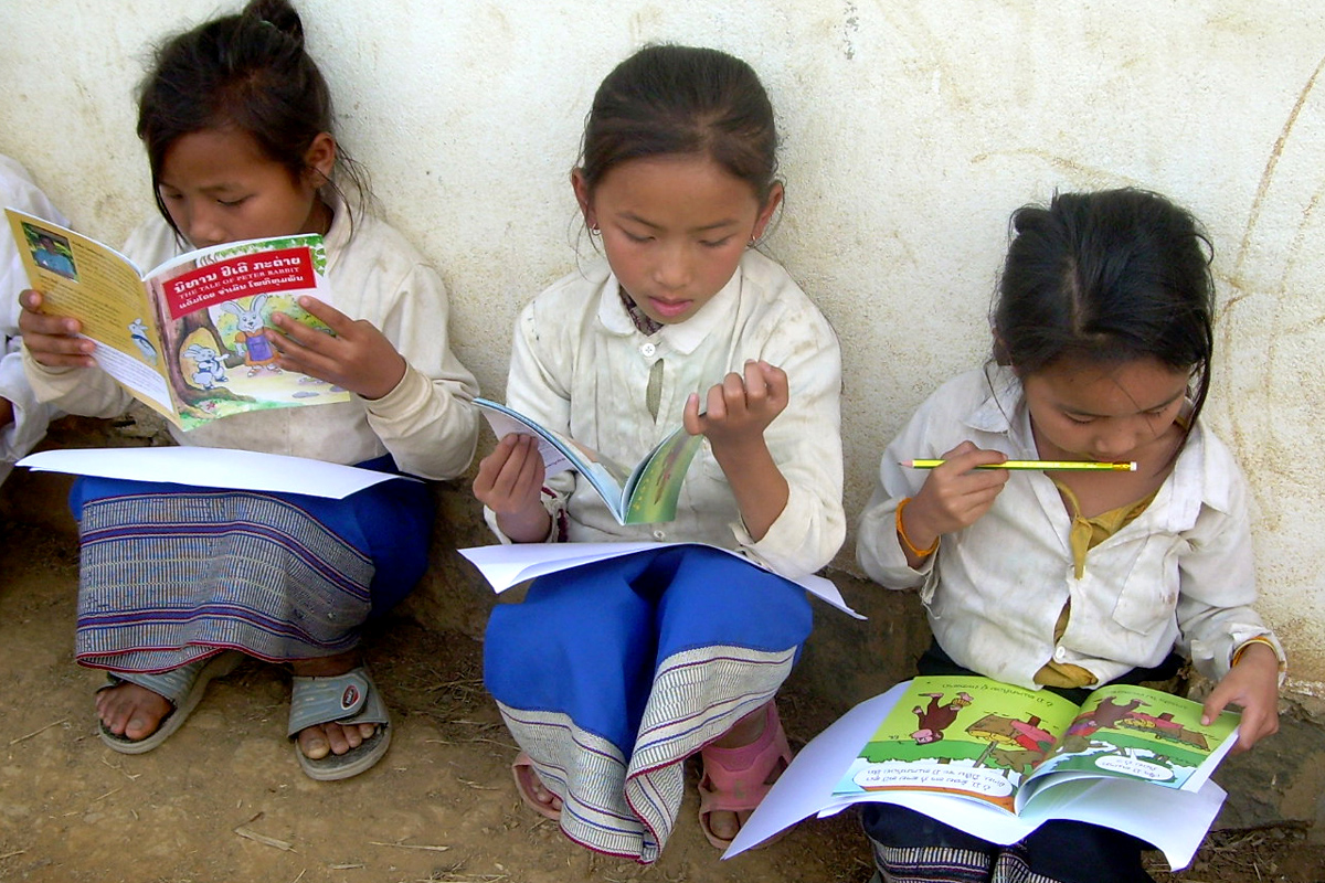 Lao girls reading