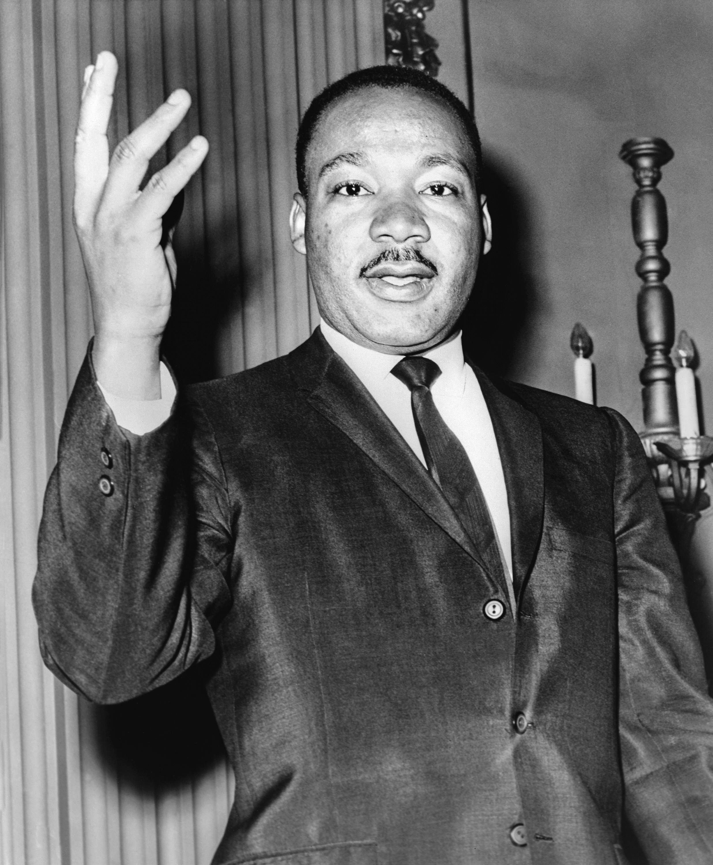 https://i1.wp.com/upload.wikimedia.org/wikipedia/commons/8/84/Martin_Luther_King_Jr_NYWTS.jpg
