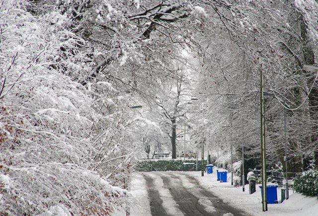 English: Snow, Belfast (15) See 648506. At 11....