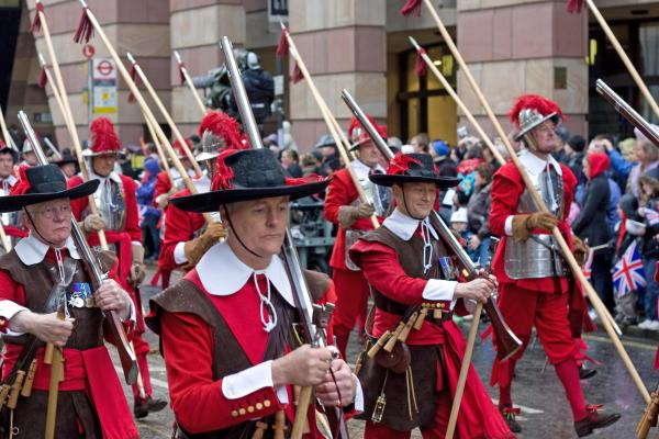 File:Lord Mayor's Show 2008 pikes.jpg - Wikimedia Commons