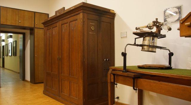 X-ray machine of Siemens und Halske from 1912
