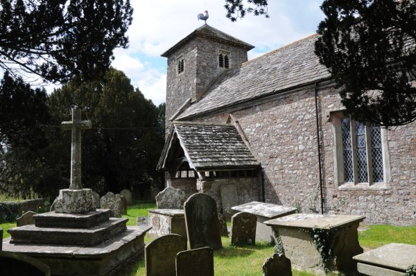 St Mary's Church, Tregare - Wikipedia