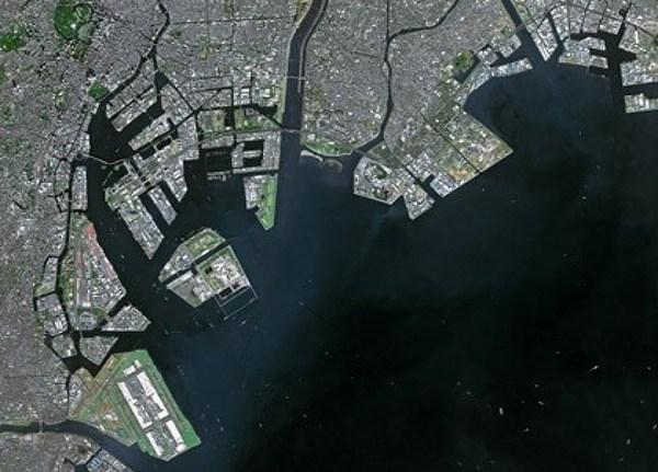File:Tokyo port 2002.jpg - Wikimedia Commons