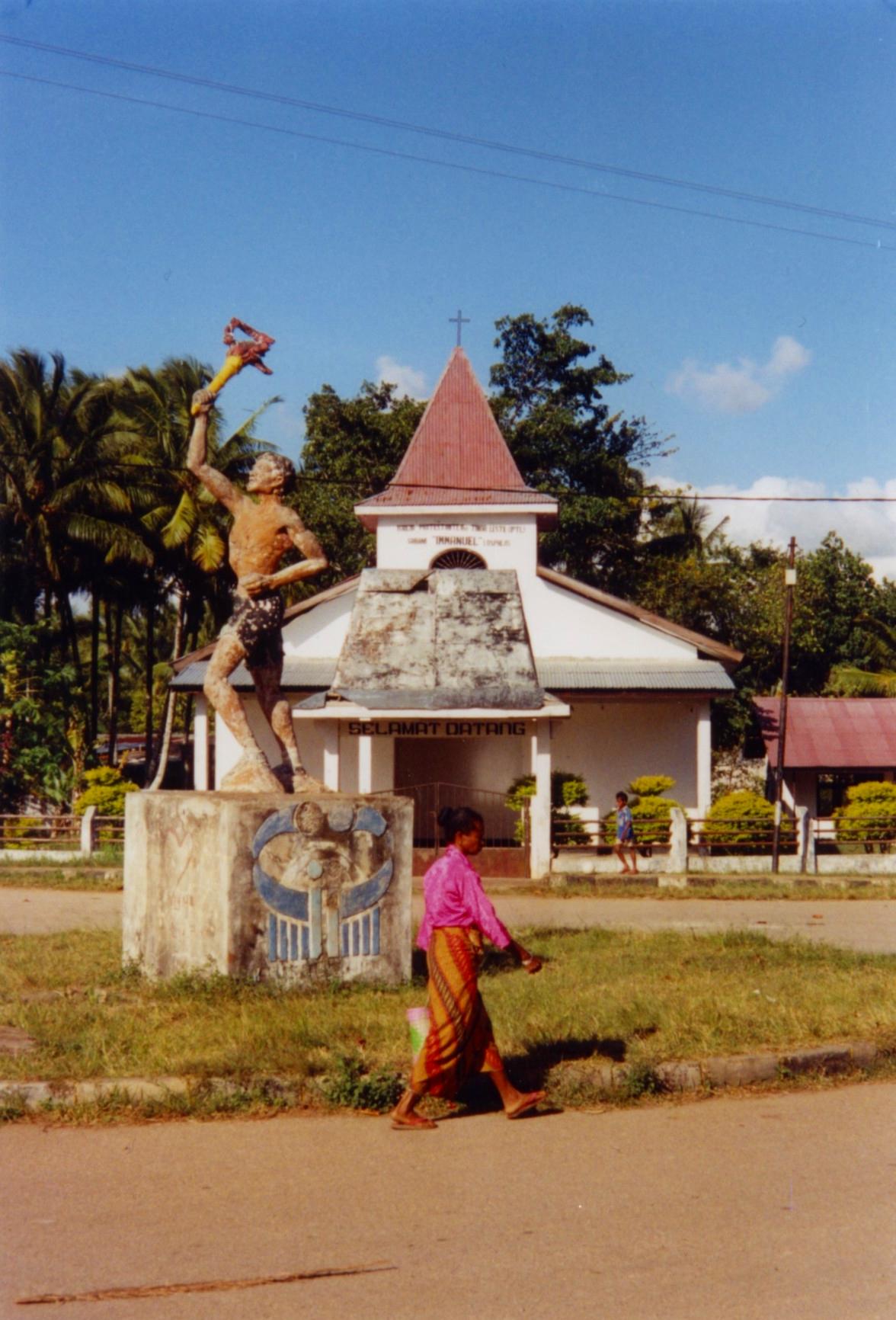 Lospalos Kirche Immanuel klein