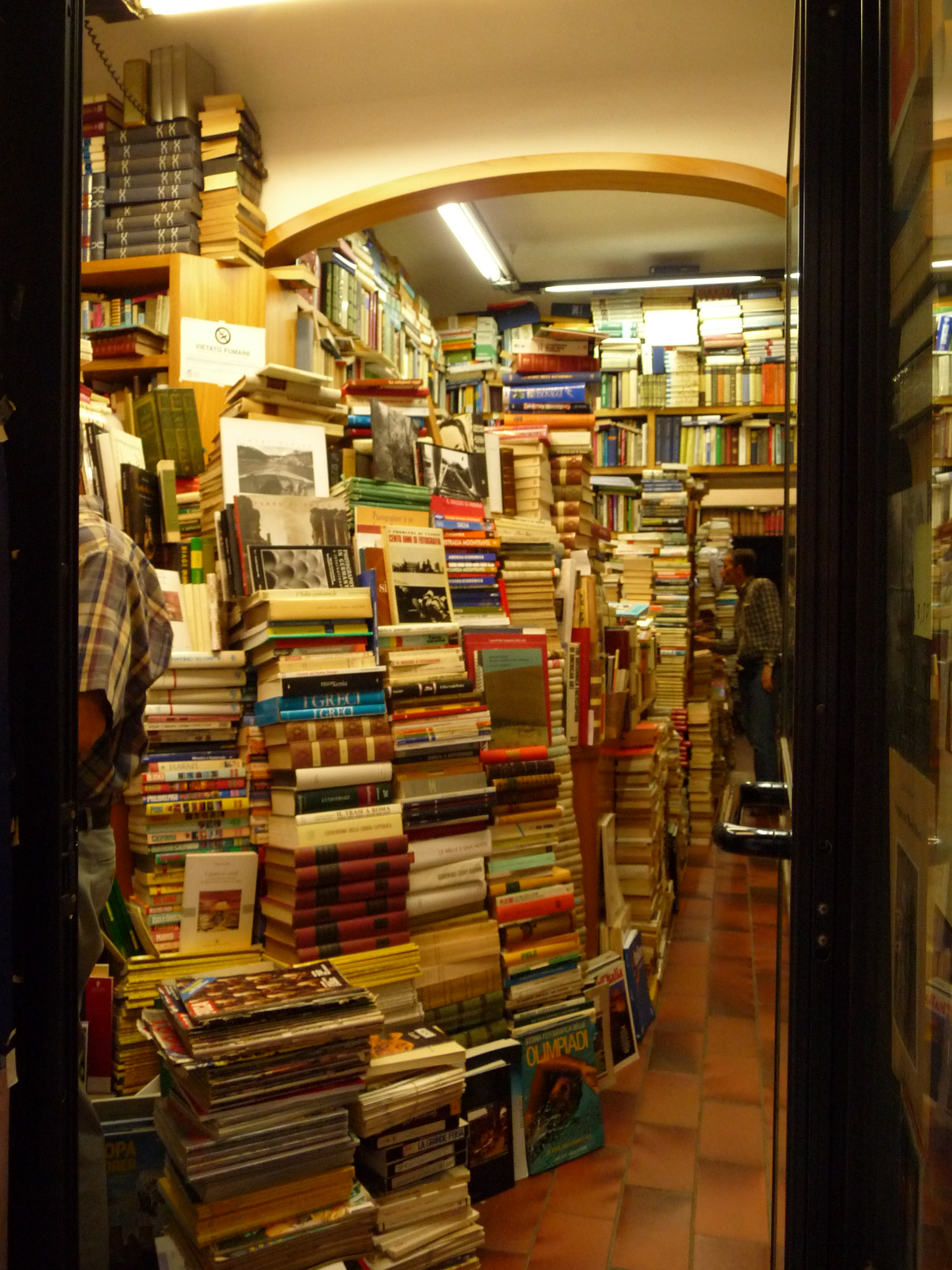 Independent bookstores Yay but Wait