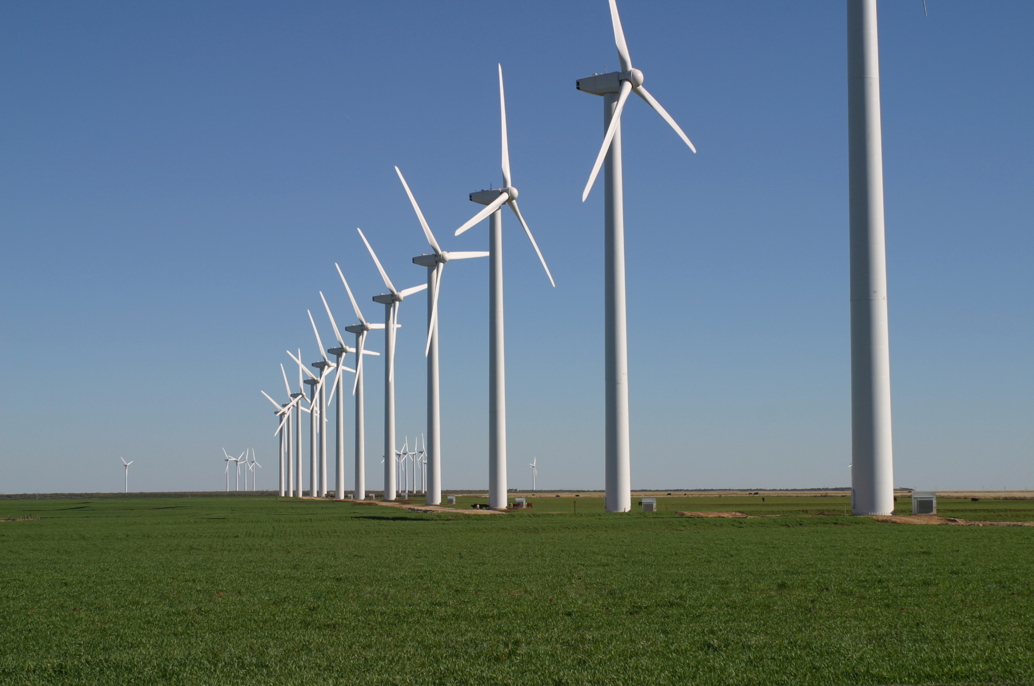 https://i1.wp.com/upload.wikimedia.org/wikipedia/commons/8/8b/GreenMountainWindFarm_Fluvanna_2004.jpg