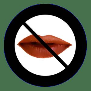 Immagine che evoca l'idea di censura con labbra femminili barrate da unsegnale di divieto