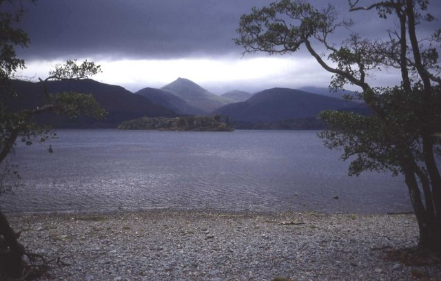 File:Derwent Water - geograph.org.uk - 481084.jpg