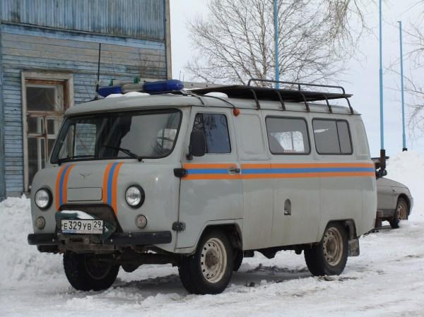 File:УАЗ 452 Котласская городская служба спасения 1.JPG ...