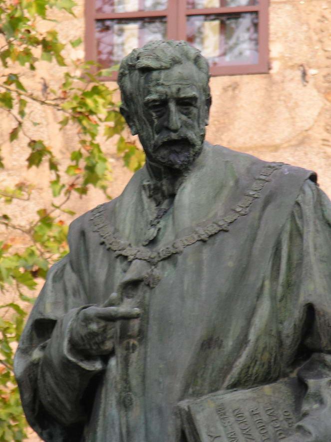 https://i1.wp.com/upload.wikimedia.org/wikipedia/commons/9/90/Eugenio_Montero_Rios-Santiago-Galiza.jpg