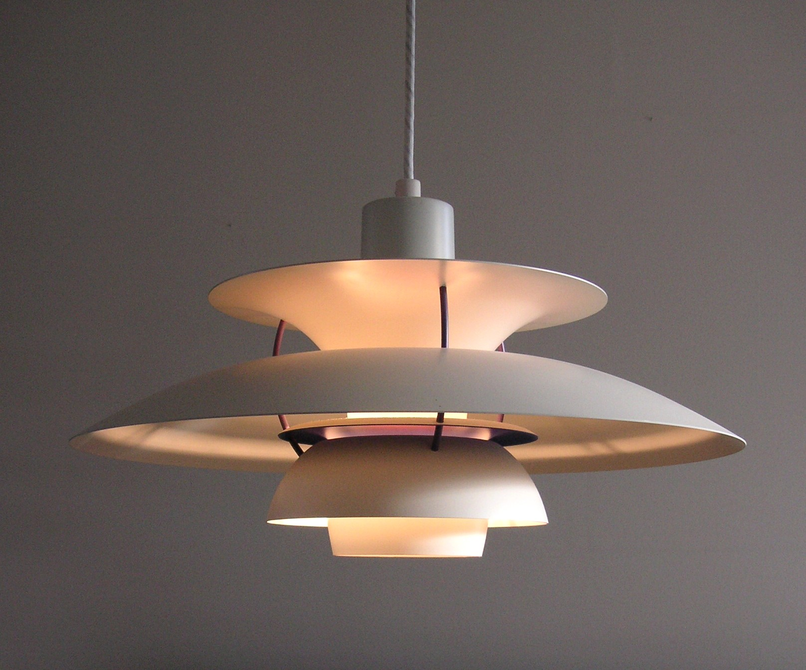 Poul Henningsen PH5 Lamp designed 1958