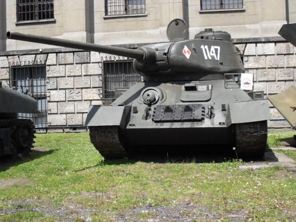 File:T-34-85M Soviet medium tank, Polish Army Museum ...