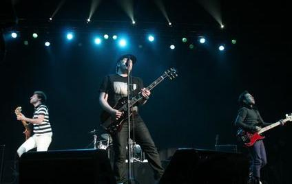 File:Fall Out Boy in concert.jpg