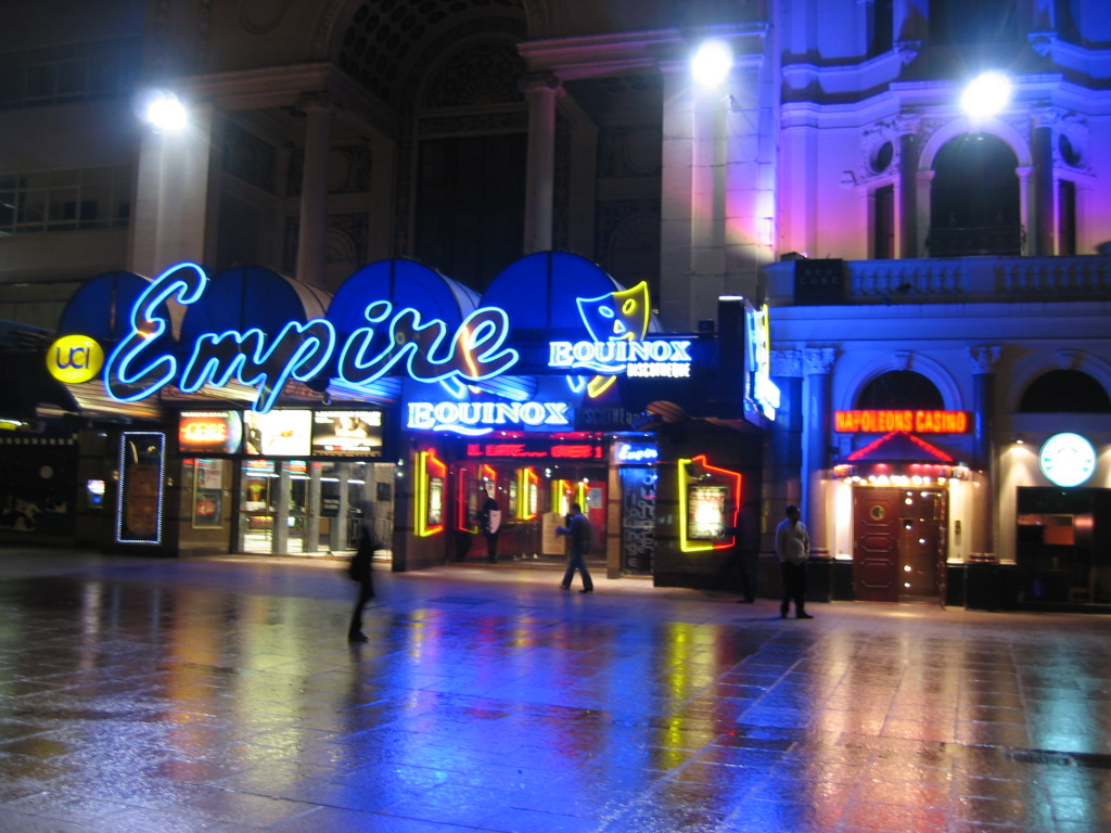 https://i1.wp.com/upload.wikimedia.org/wikipedia/commons/9/95/Empire_at_Leicester_Square_London.jpg