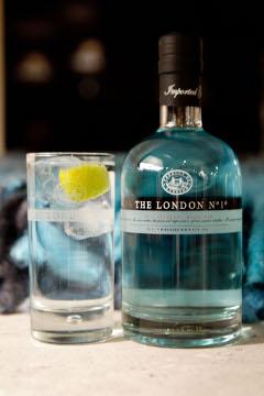 English: Bottle, London, Gin&Tonic