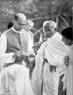 File:Mahadev Desai and Gandhi 2 1939.jpg