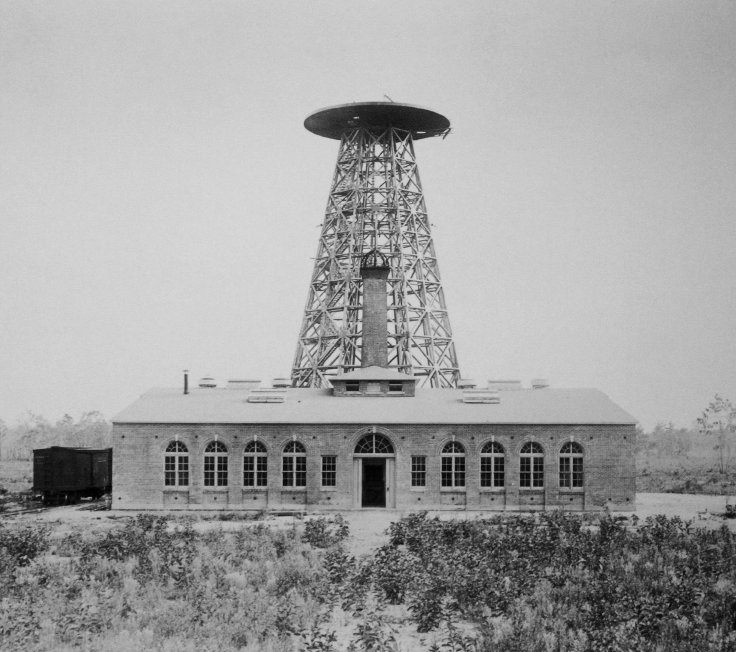 File:Wardenclyffe Tower.jpg