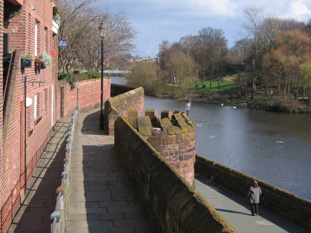 File:Chester's City Walls - Bridgegate to Eastgate ^2 - geograph.org.uk - 372176.jpg