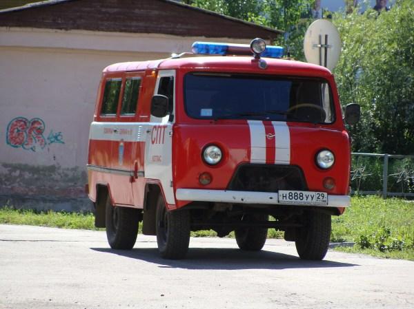 File:Пожарный автомобиль на базе УАЗ-452, Котлас.JPG ...