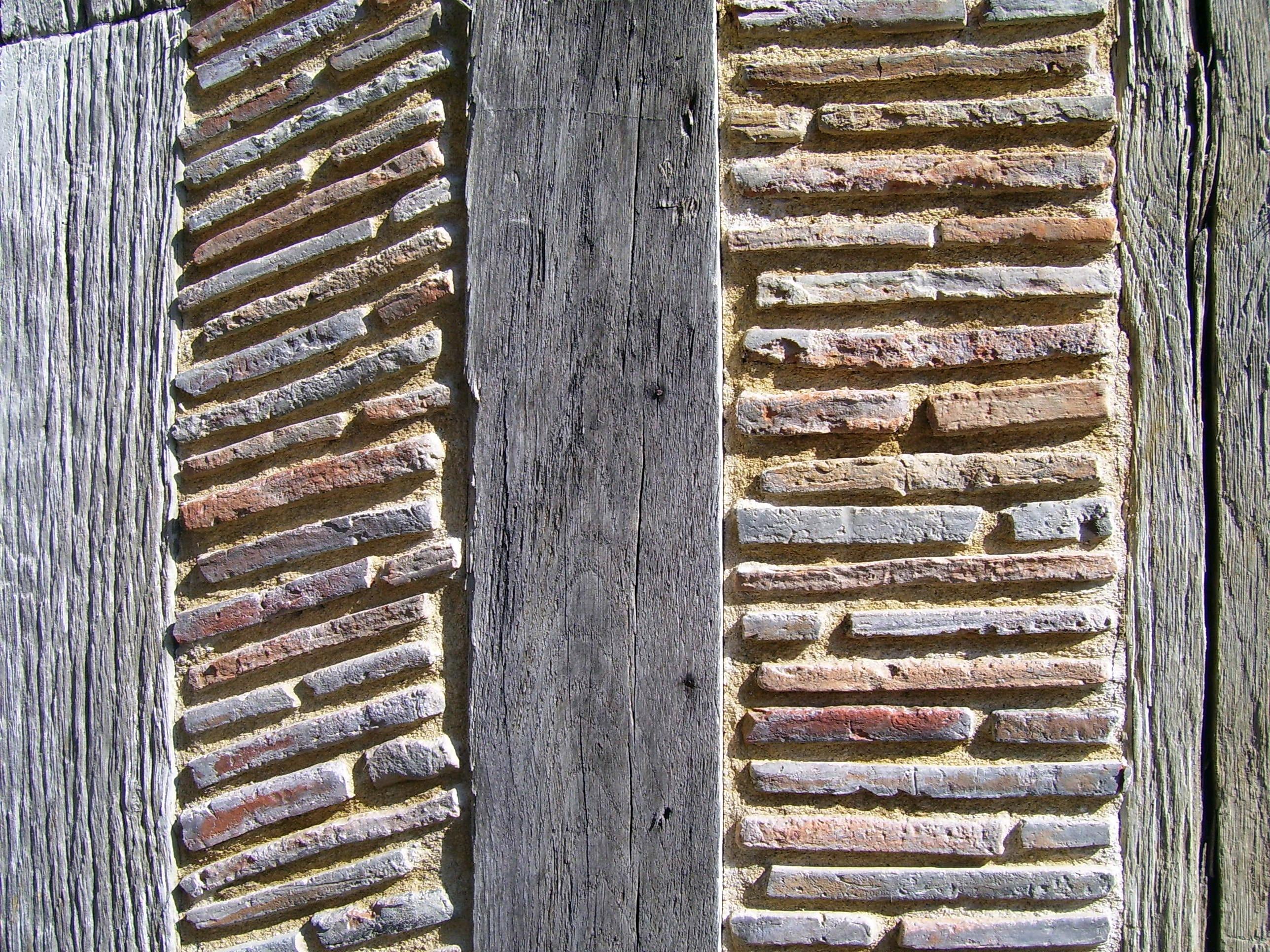 Detail der Fassade des Taubenhauses, eigenes Foto (auf commons), Lizenz: public domain/gemeinfrei