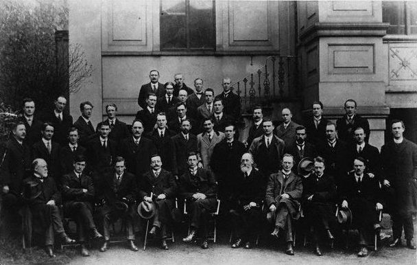 English: Photo of the First Dáil Éireann taken...