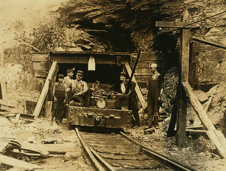 File:W. Va. coal mine 1908.jpg