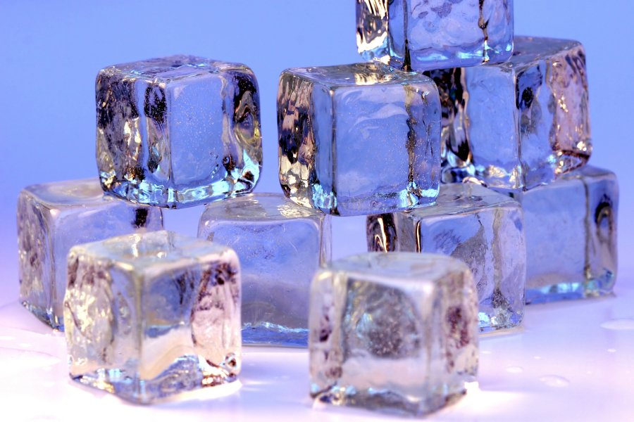 English: Ice cubes
