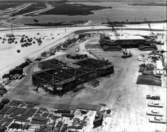 FileConstruction of crawlertransporters 1965 M275jpg