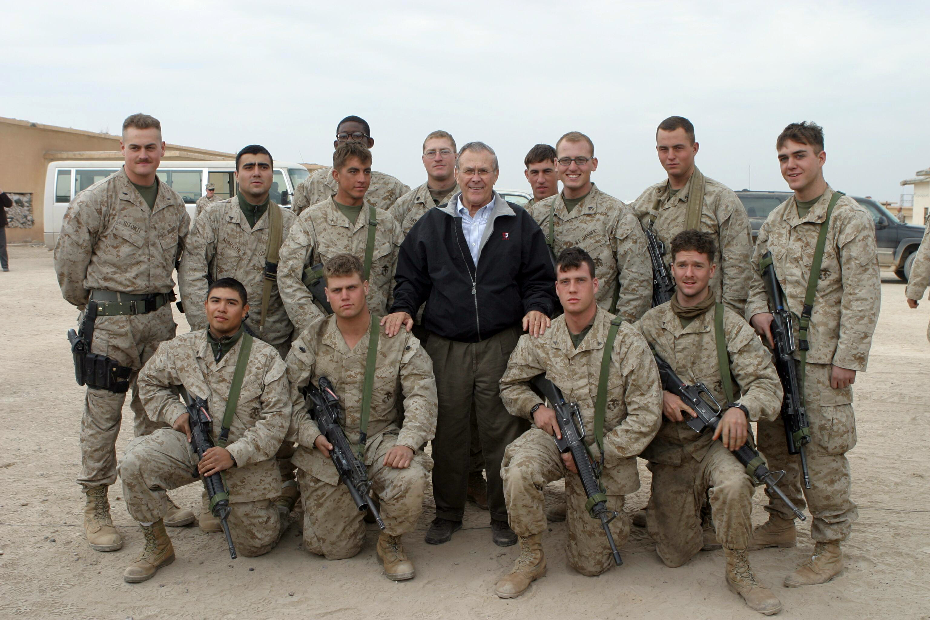 Rumsfeld bei US-Truppen im Irak