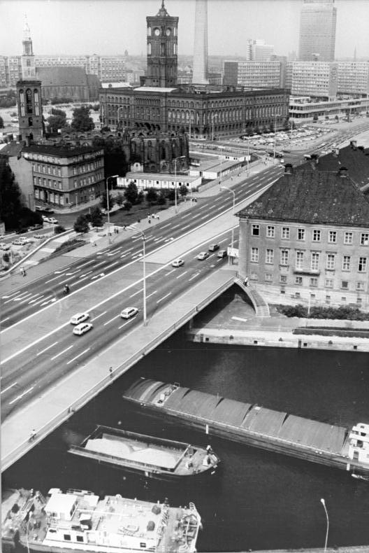 Mühlendamm (Berlin) – Wikipedia