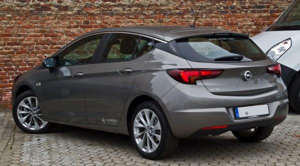 File:Opel Astra 1.6 CDTI ecoFLEX Edition (K) – Heckansicht ...