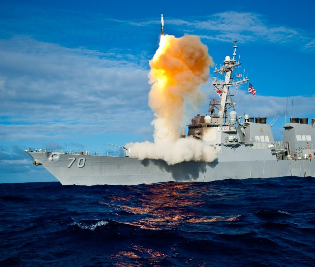 Fileuss Hopper Ddg 70 Launches A Standard Missile 3 Jpg