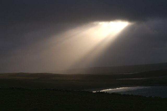 English: Shaft of light, Westing A beam of lig...