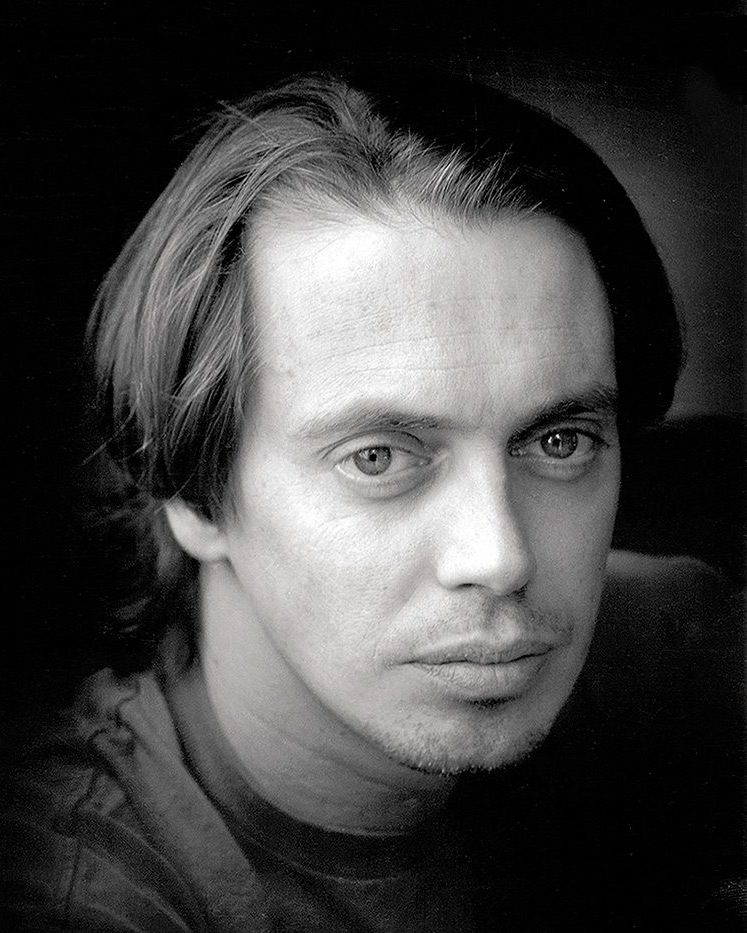 Photo of a young Steve Buscemi (American actor...