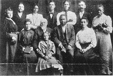 Församlingsledningen på Apostolic Faith Mission Azusa Street, världens första pingstförsamling och en av de första i USA att acceptera alla etniciteter