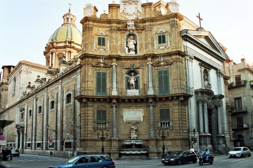 The church of S. Giuseppe ai Teatini (photo by Bjs, CC-BY-SA 2.5)