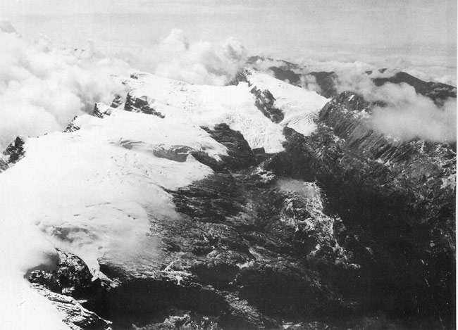 https://i1.wp.com/upload.wikimedia.org/wikipedia/commons/a/ab/Puncak_Jaya_icecap_1936.jpg