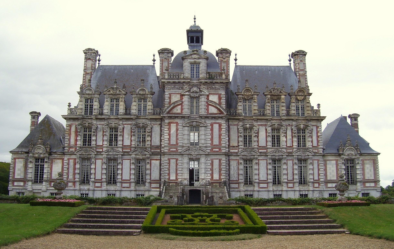 Rückseite des Schlosses, eigenes Foto, Lizenz:public domain/gemeinfrei