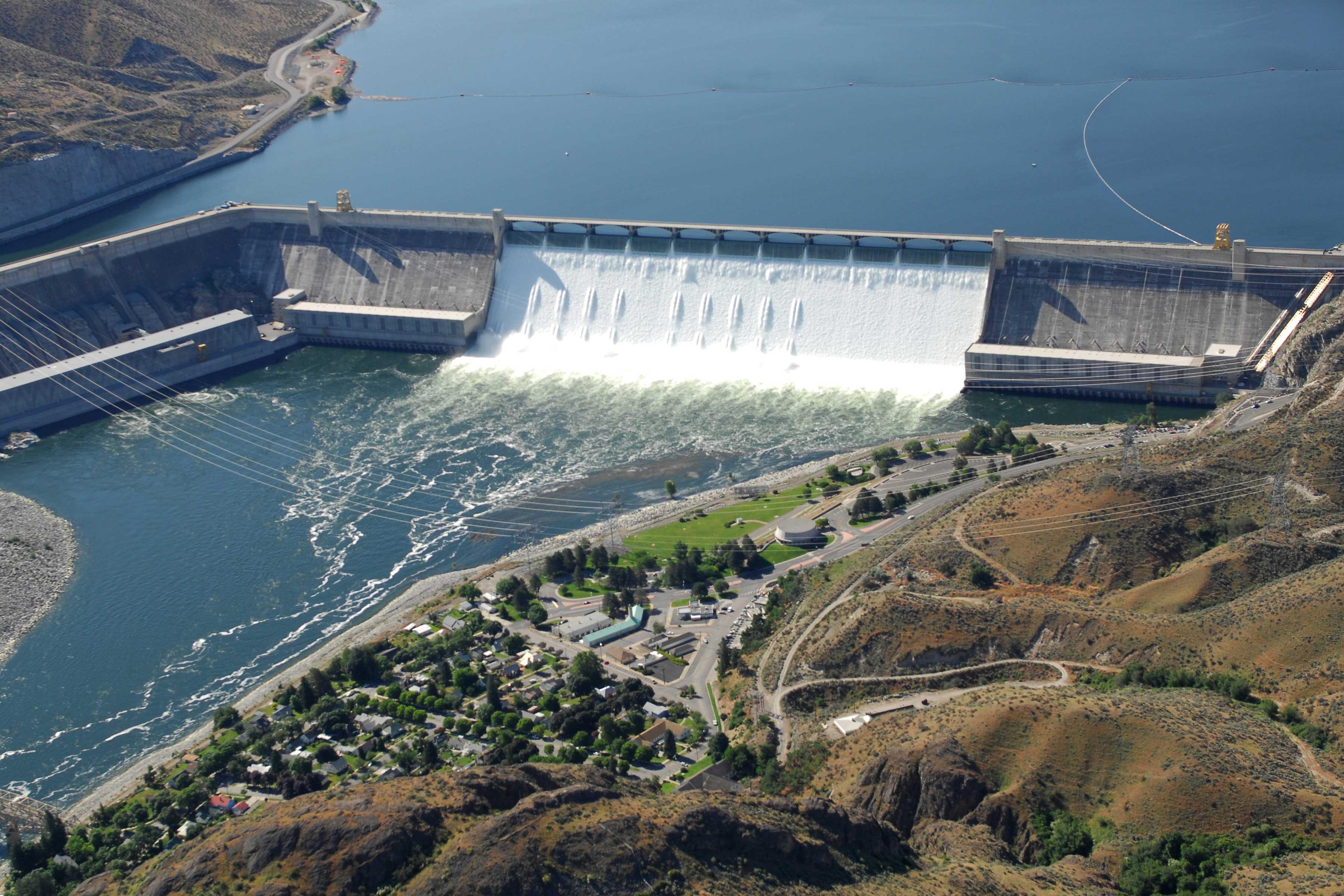 File Grand Coulee Dam Aerial 2