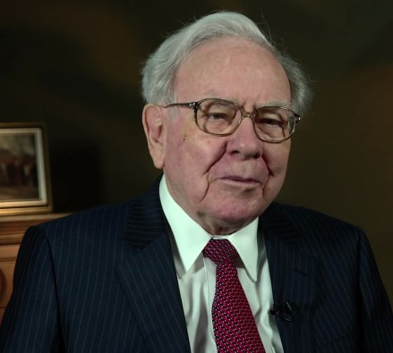 Warren Buffett at the 2015 SelectUSA Investment Summit - Warren Buffett Biography Hindi, Success Story of Warren Buffett