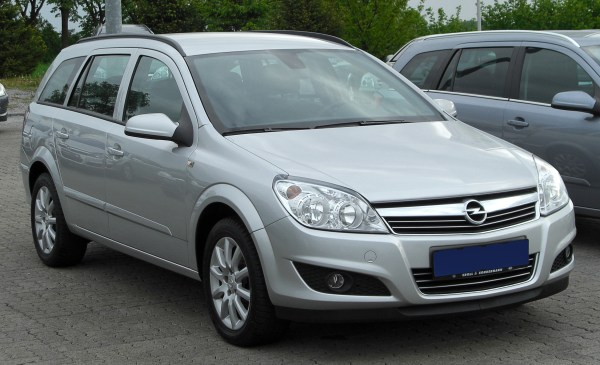 File:Opel Astra H 1.6 Caravan Edition Facelift front ...