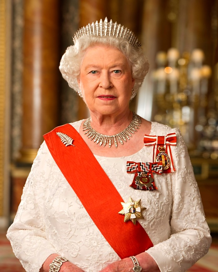 Resultado de imagen de reina ISabel II