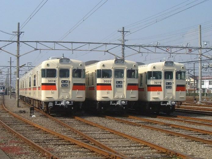 既存車両3000系の代替として、新型車両6000系を導入する。
