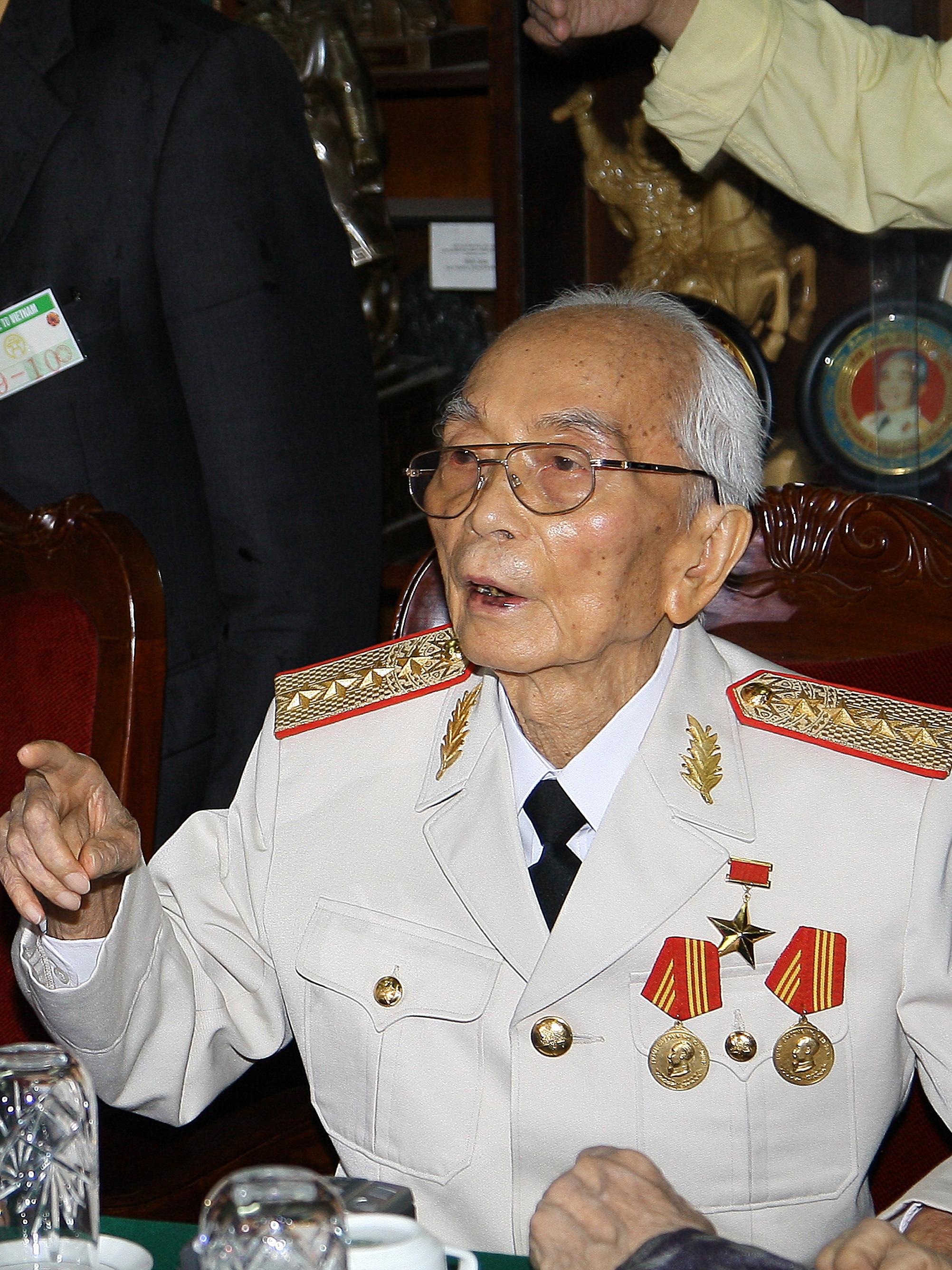 English: General Vo Nguyen Giap in 2008.