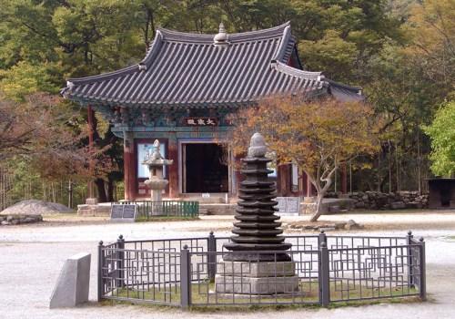 File:Korea-Gimje-Geumsansa-04.jpg