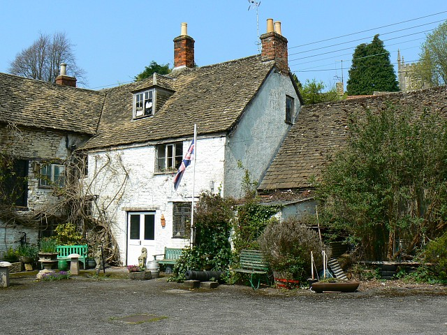 File:Ram Inn, Potters Pond, Wotton under Edge - geograph.org.uk