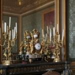 File Chateau De Versailles Salon Des Nobles Garniture De Cheminee Gde Pendule Aux Chameaux Candelabres Aux Grues Francois Remond Jarossay Jpg Wikimedia Commons