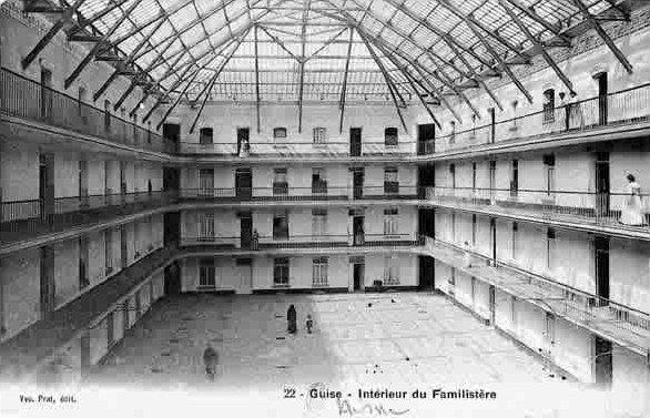 Archivo: Familistère-guise.jpg