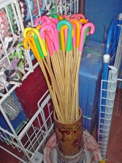 English: Rattan canes sold in Singapore